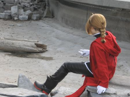Edward Elric from Fullmetal Alchemist worn by Hyokenseisou