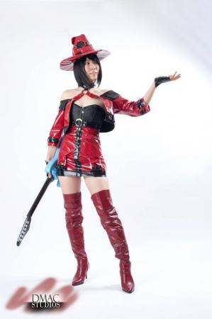 I-No from Guilty Gear XX worn by Hyokenseisou