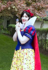 Snow White from Snow White and the Seven Dwarfs worn by Cepia