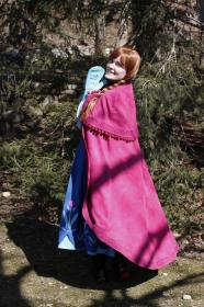 Anna from Frozen worn by Cepia
