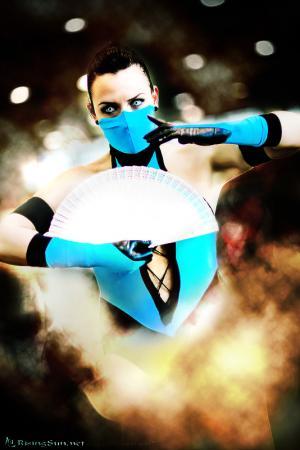 Kitana from Mortal Kombat worn by FantasyNinja