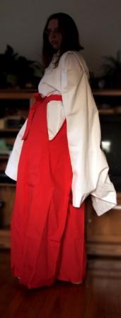Kikyo from Inuyasha worn by Lia / SelfSovereign