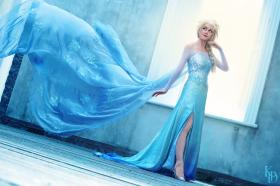 Elsa from Frozen worn by SunsetDragon