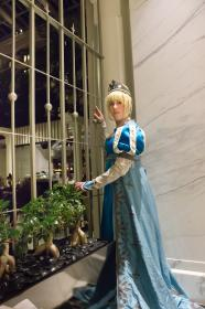 Elsa from Frozen worn by Elycium