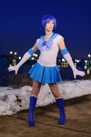 Sailor Mercury from Sailor Moon worn by Relena Warcraft