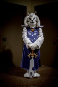 Asriel Dreemurr from Undertale worn by Oshi