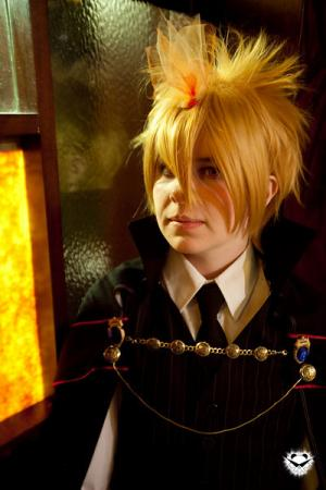Giotto (Vongola Primo) from Katekyo Hitman Reborn! worn by TseUq