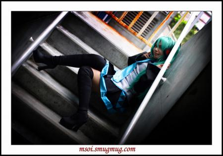 Hatsune Miku from Vocaloid 2 worn by Azu-chan