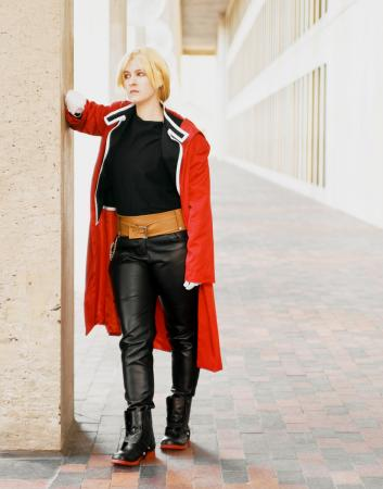 Edward Elric from Fullmetal Alchemist worn by hailo