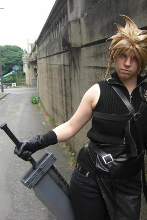 Cloud Strife from Final Fantasy VII: Advent Children worn by Nikkiolie