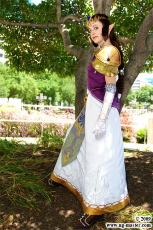 Princess Zelda from Legend of Zelda: Twilight Princess worn by Lady Terentia