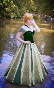 Anna from Frozen worn by shannuckles