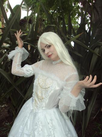 Mirana, The White Queen from Alice in Wonderland worn by Princess Mekare