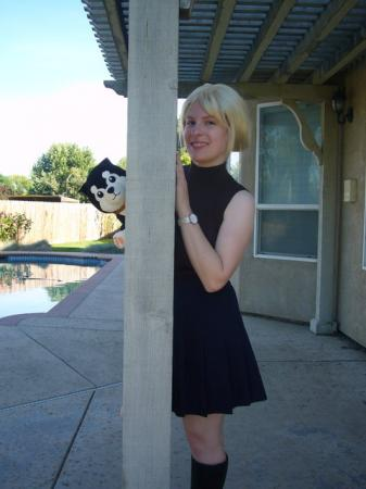 Riza Hawkeye from Fullmetal Alchemist worn by Mirai Noah