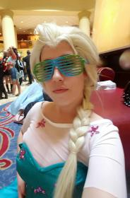 Elsa from Frozen worn by BlueRockAngel