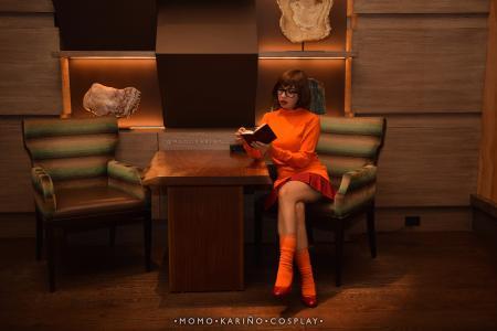 Velma Dinkley from Scooby Doo worn by Momo Karinyo