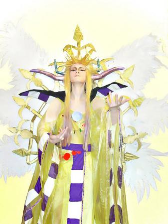 Emperor Mateus from Final Fantasy II worn by Liliana