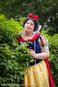 Snow White from Disney Princesses worn by Luckygrim