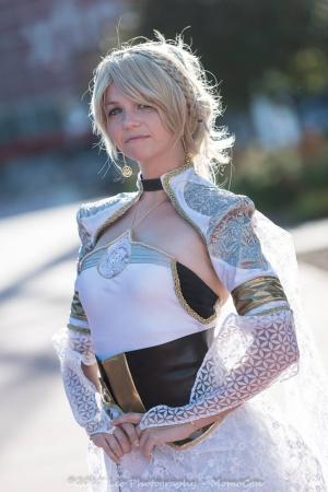 Lunafreya Nox Fleuret from Final Fantasy XV worn by Chibi Inu Tsuzuki