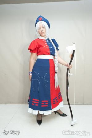 Eirin Yagokoro from Touhou Project worn by Erika Ivy