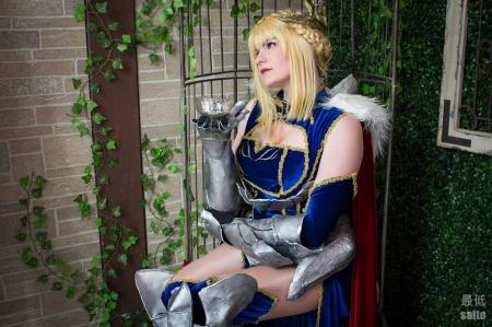 Altria Pendragon from Fate/Grand Order worn by Akaichan