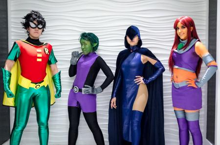 Robin (Teen Titans)  by kris lee