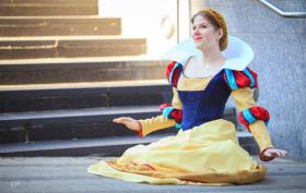 Snow White from Snow White and the Seven Dwarfs worn by Whats Shakin Bacon