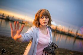 Max Caulfield from Life is Strange worn by Fraxinus Cosplay