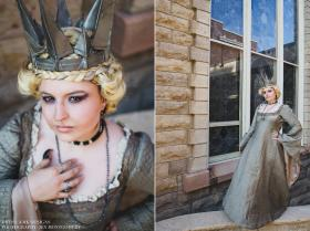 Ravenna from Snow White and the Huntsman worn by Blue Fish
