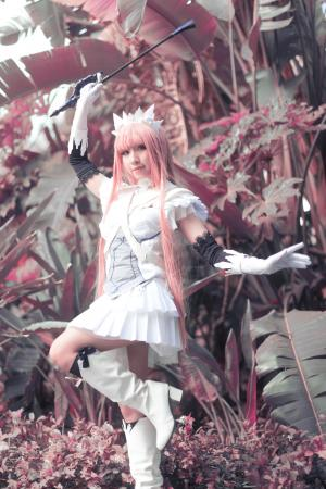 Queen Medb from Fate/Grand Order worn by CYL Cosplay