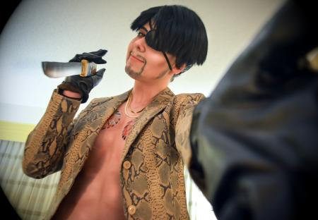 Goro Majima from Yakuza worn by Risuruuu
