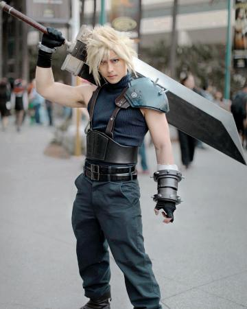 Cloud Strife from Final Fantasy VII worn by Lorentz