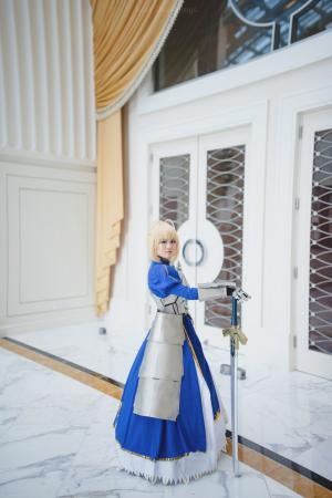 Saber from Fate/Stay Night worn by noirmoure