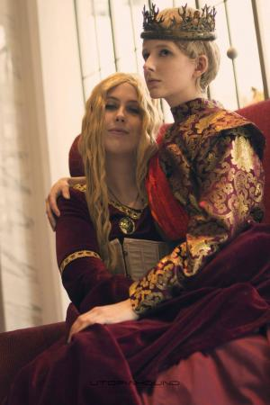 Cersei Lannister (Game of Thrones)  by QueenNaenya